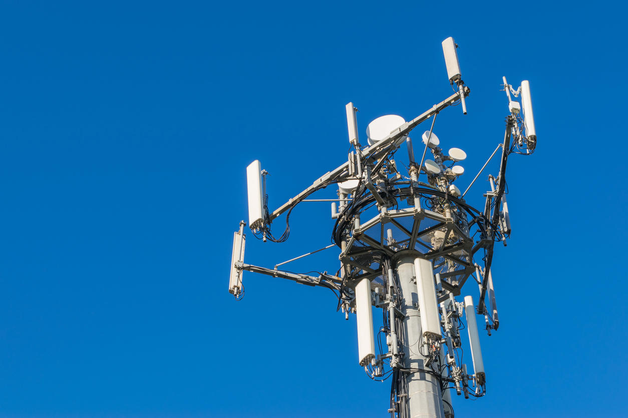 mobile-phone-telecommunication-tower-istock-emanuele-d_amico.jpg